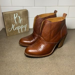 Lucky Brand Ehllen Ankle Boot women's size 6